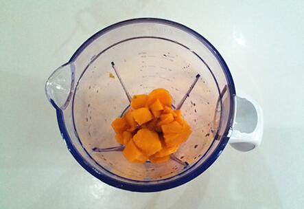 芒果酸奶饮的做法步骤2